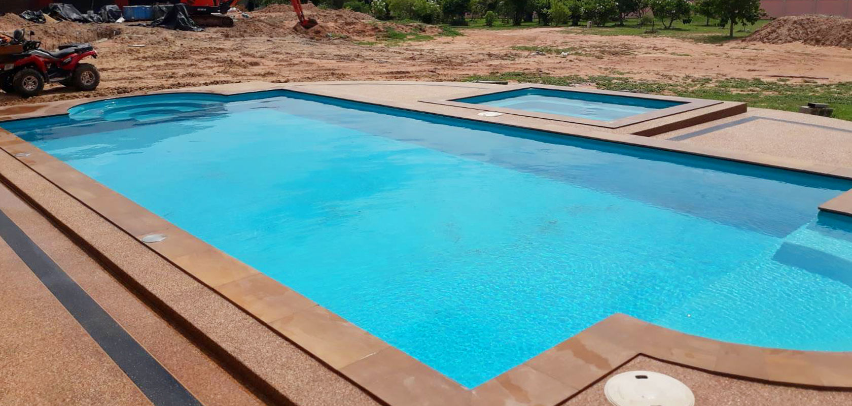 <h1>BUILT TO LAST</h1><p>Most Fibreglass Pools come with 30 Year structural guarantee or longer</p>